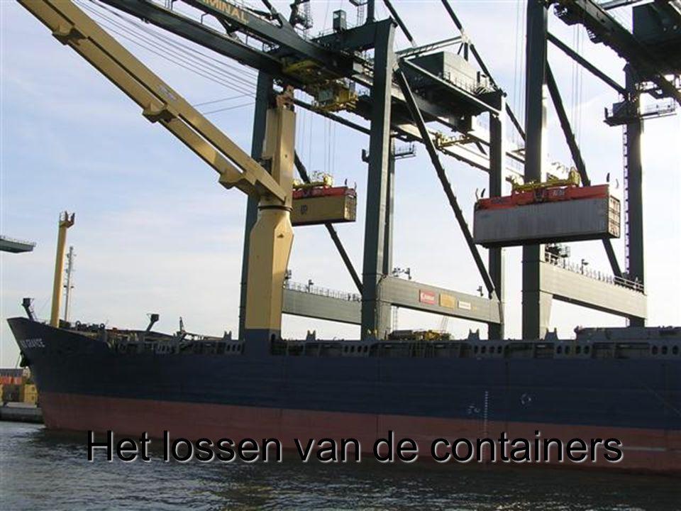 Het lossen van de containers