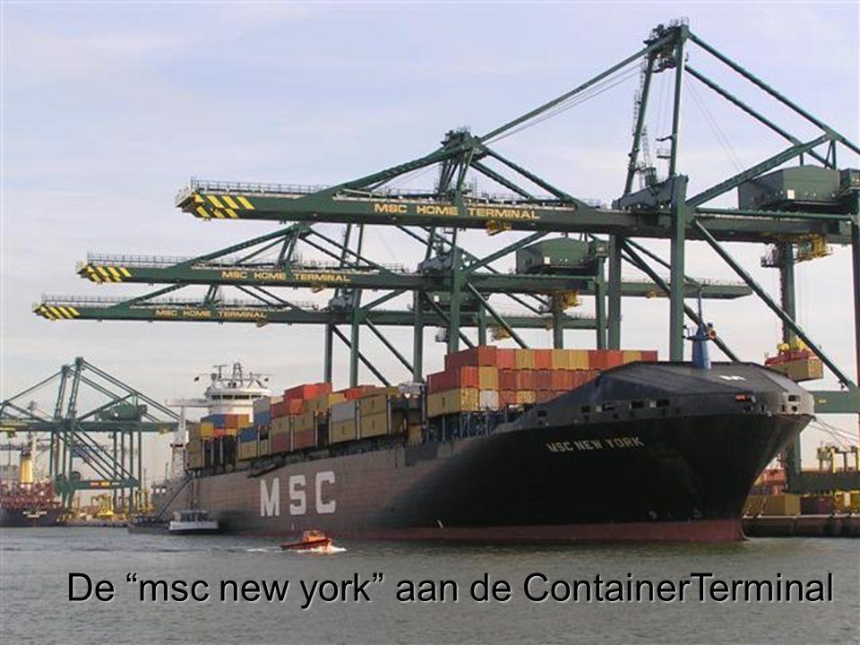 De msc new york aan de ContainerTerminal