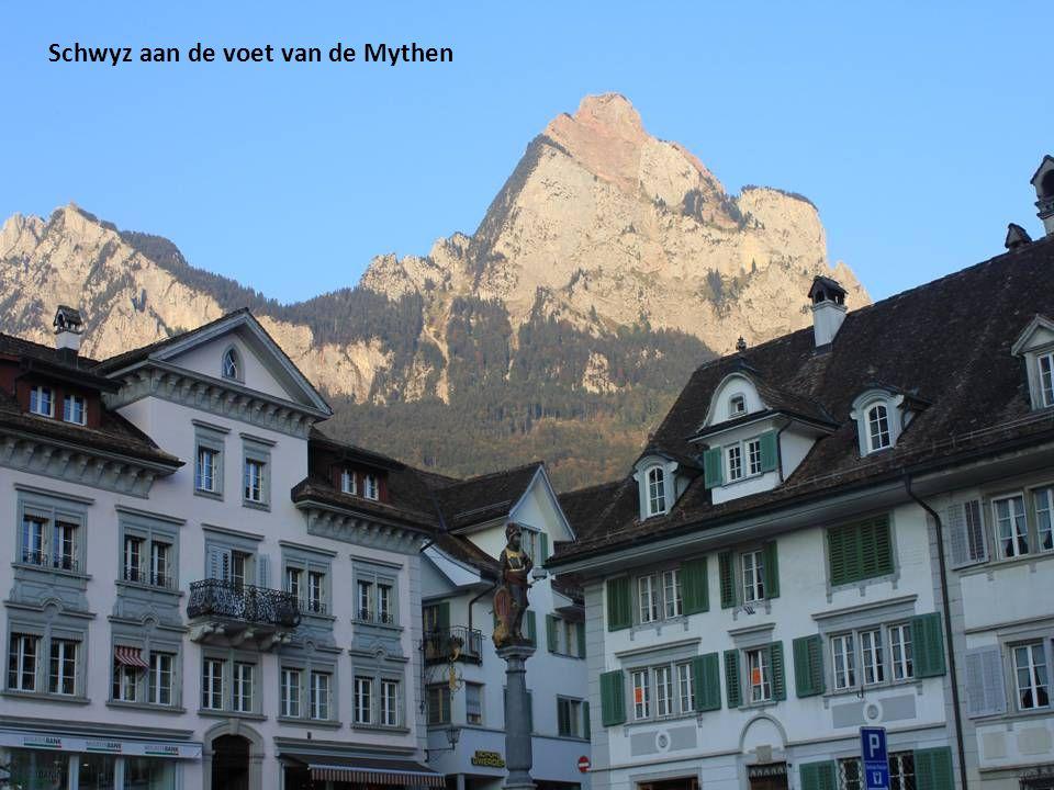 Schwyz aan de voet van de Mythen