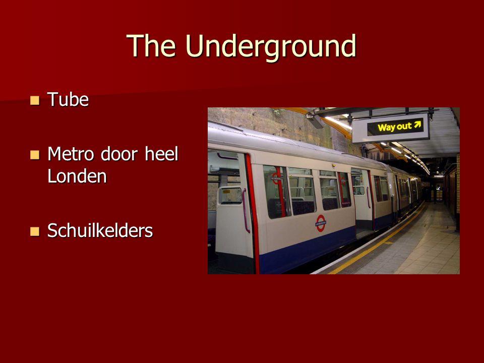 The Underground Tube Metro door heel Londen Schuilkelders