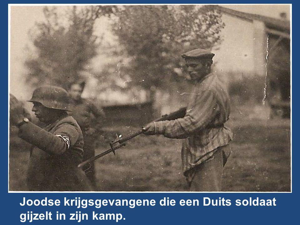 Joodse krijgsgevangene die een Duits soldaat gijzelt in zijn kamp.