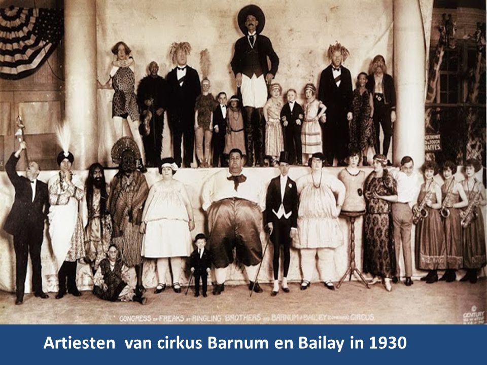 Artiesten van cirkus Barnum en Bailay in 1930