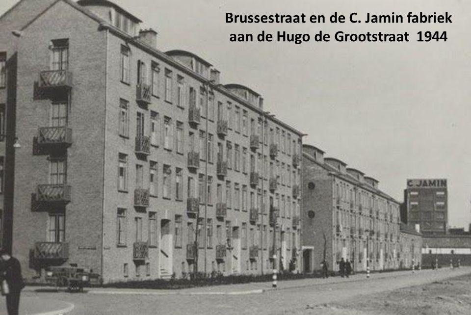 Brussestraat en de C. Jamin fabriek aan de Hugo de Grootstraat 1944