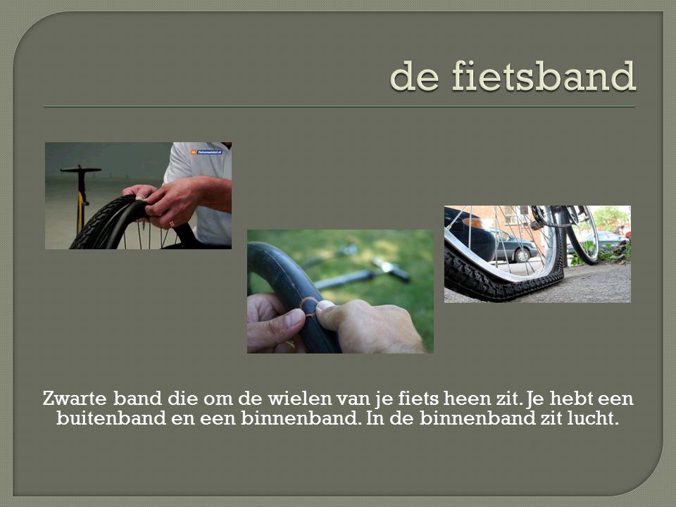 de fietsband Zwarte band die om de wielen van je fiets heen zit.