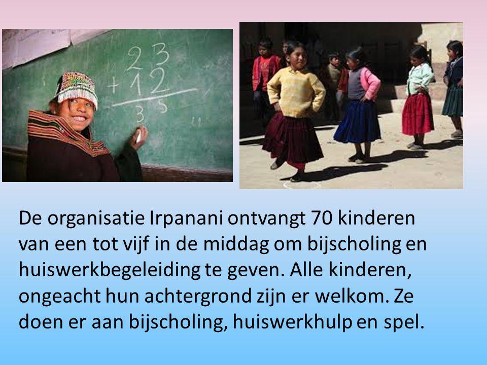 De organisatie Irpanani ontvangt 70 kinderen van een tot vijf in de middag om bijscholing en huiswerkbegeleiding te geven.