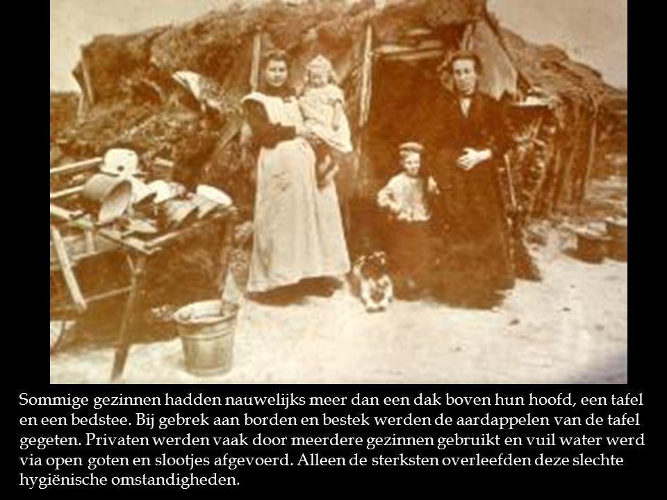 Sommige gezinnen hadden nauwelijks meer dan een dak boven hun hoofd, een tafel en een bedstee.