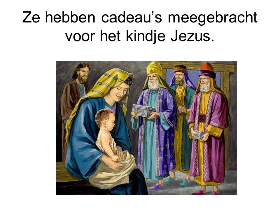 Ze hebben cadeau's meegebracht voor het kindje Jezus.
