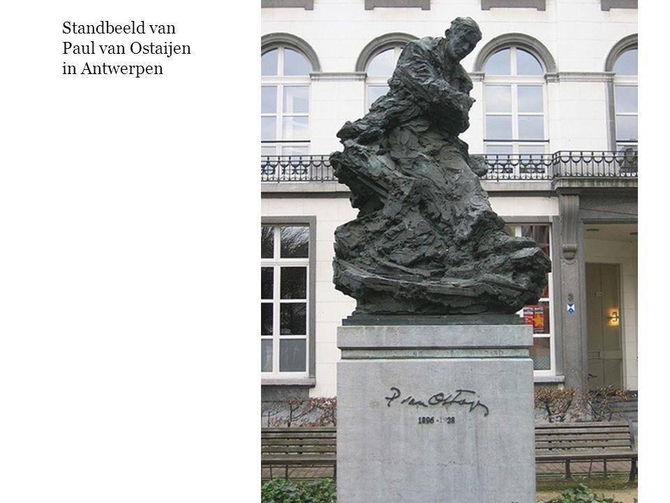 Standbeeld van Paul van Ostaijen in Antwerpen