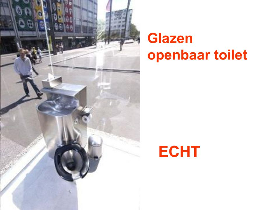 Glazen openbaar toilet