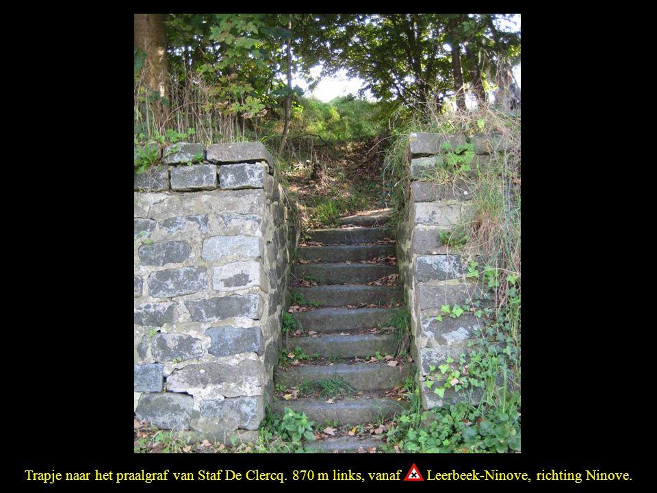 Trapje naar het praalgraf van Staf De Clercq