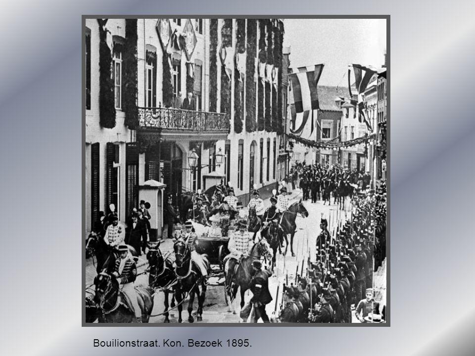 Bouilionstraat. Kon. Bezoek 1895.