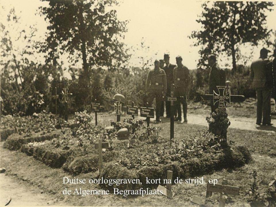 Duitse oorlogsgraven, kort na de strijd, op de Algemene Begraafplaats.