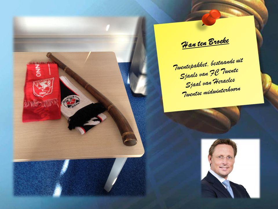 Han ten Broeke Twentepakket, bestaande uit Sjaals van FC Twente