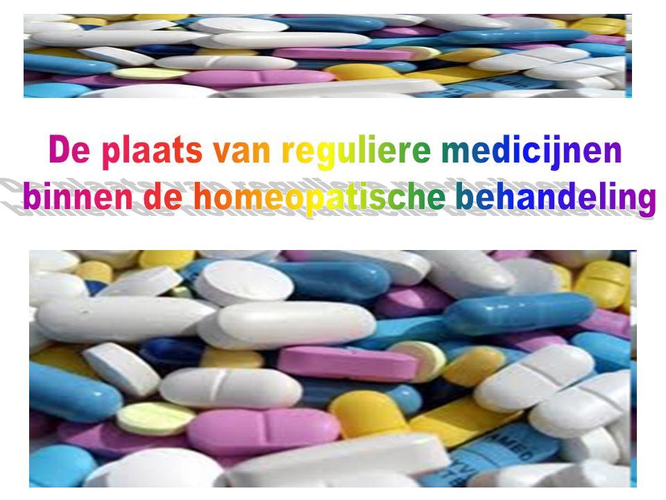 De plaats van reguliere medicijnen binnen de homeopatische behandeling