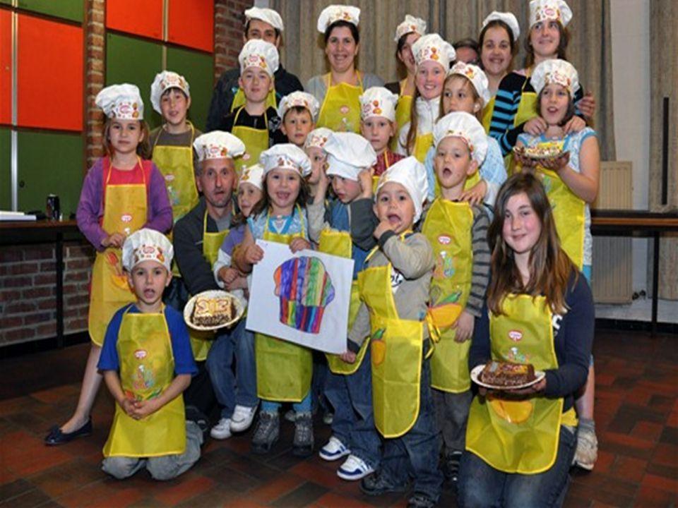 Samen met de ouders van de wijk Paspoel organiseerde De Schakelaar Tongeren vandaag een leuke Koken met Kids -namiddag in de parochiezaal van de Sint-Maternuskerk.