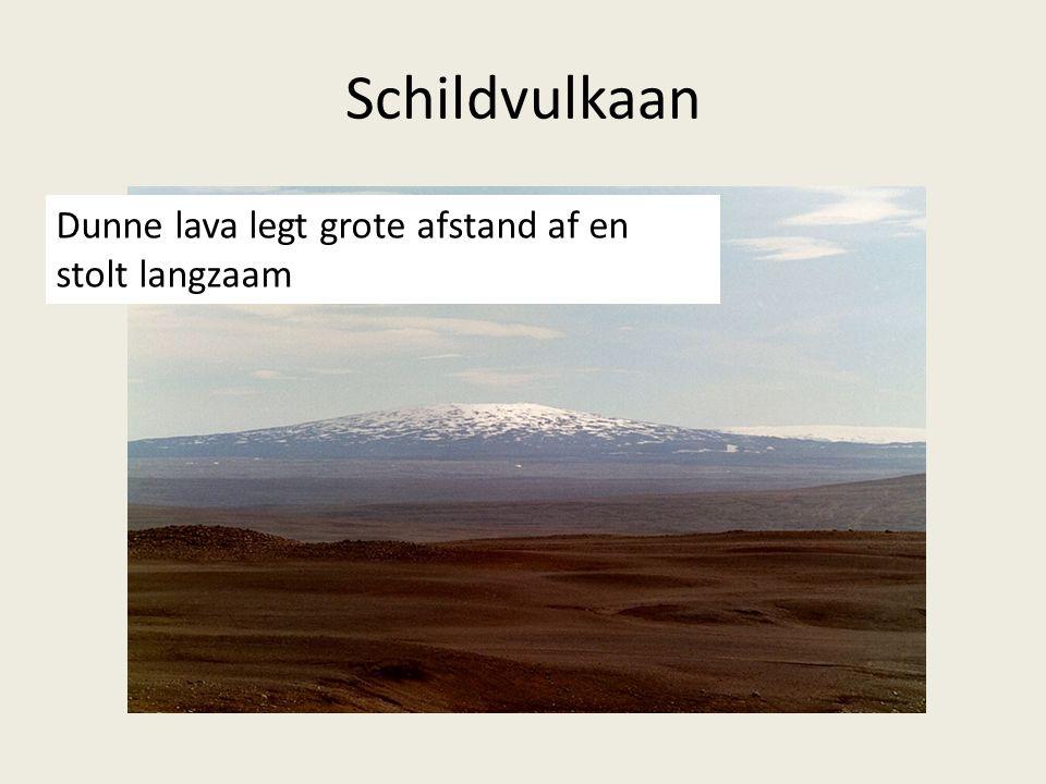 Schildvulkaan Dunne lava legt grote afstand af en stolt langzaam