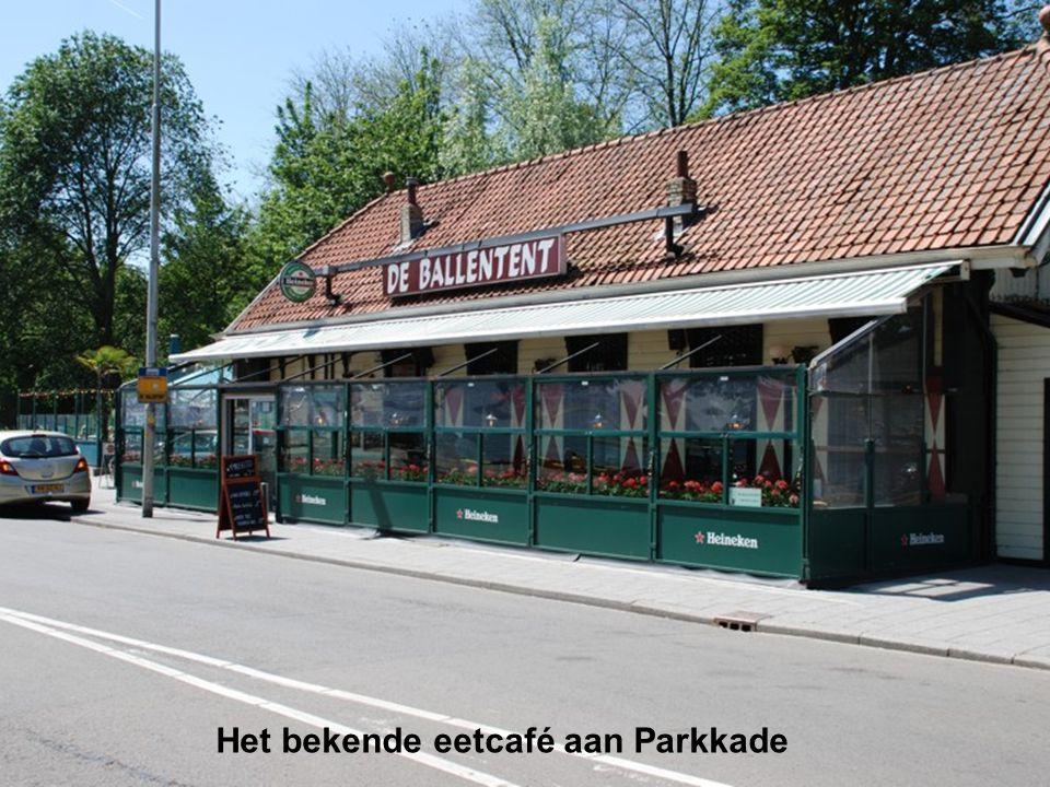 Het bekende eetcafé aan Parkkade