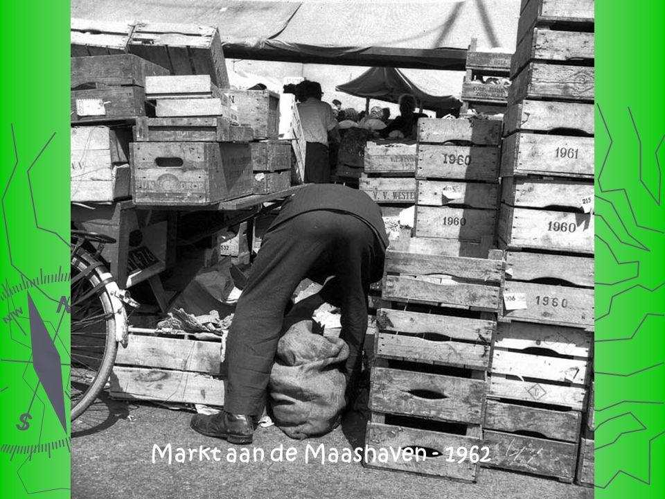 Markt aan de Maashaven - 1962