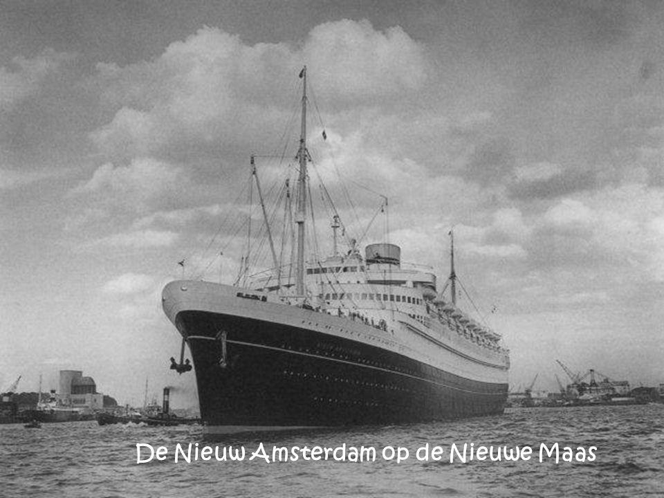 De Nieuw Amsterdam op de Nieuwe Maas