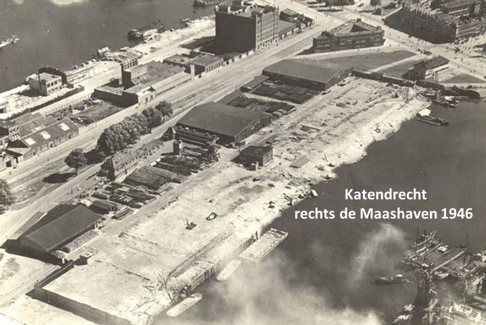 Katendrecht rechts de Maashaven 1946