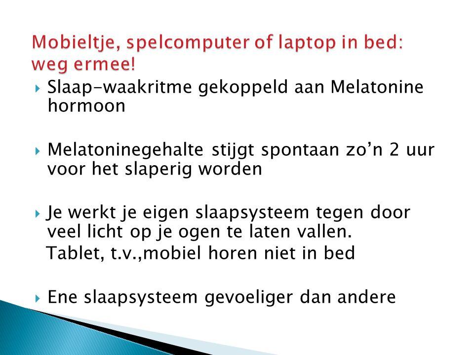 Mobieltje, spelcomputer of laptop in bed: weg ermee!
