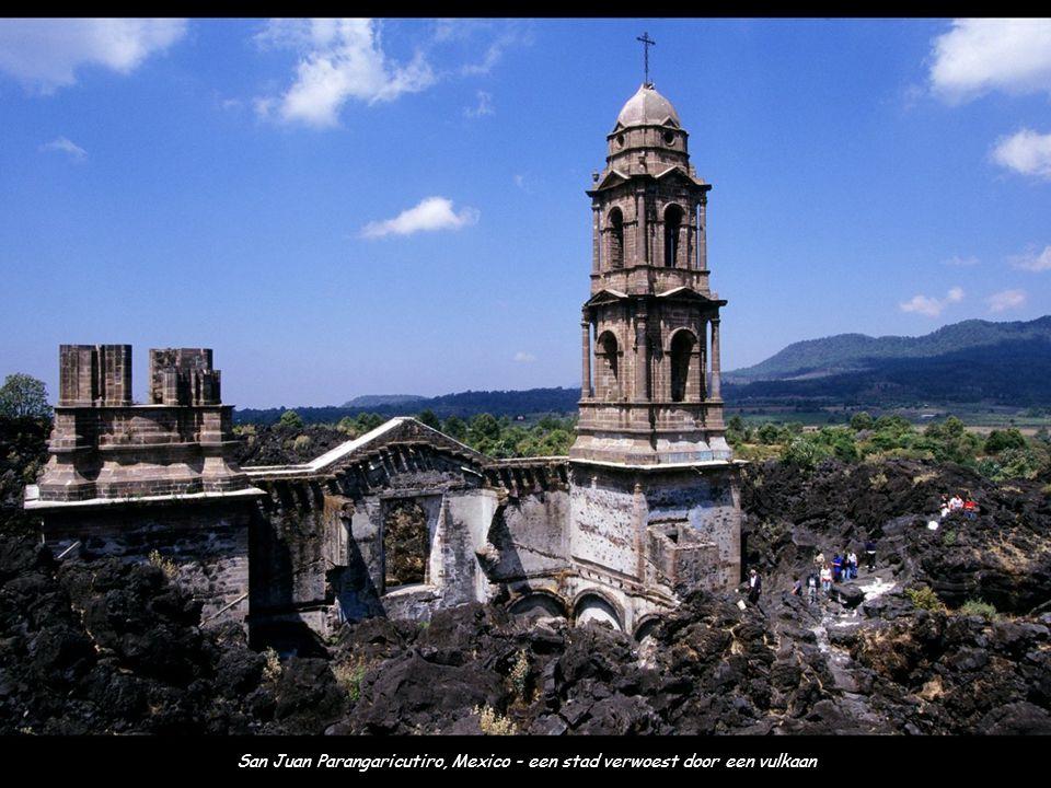 San Juan Parangaricutiro, Mexico - een stad verwoest door een vulkaan