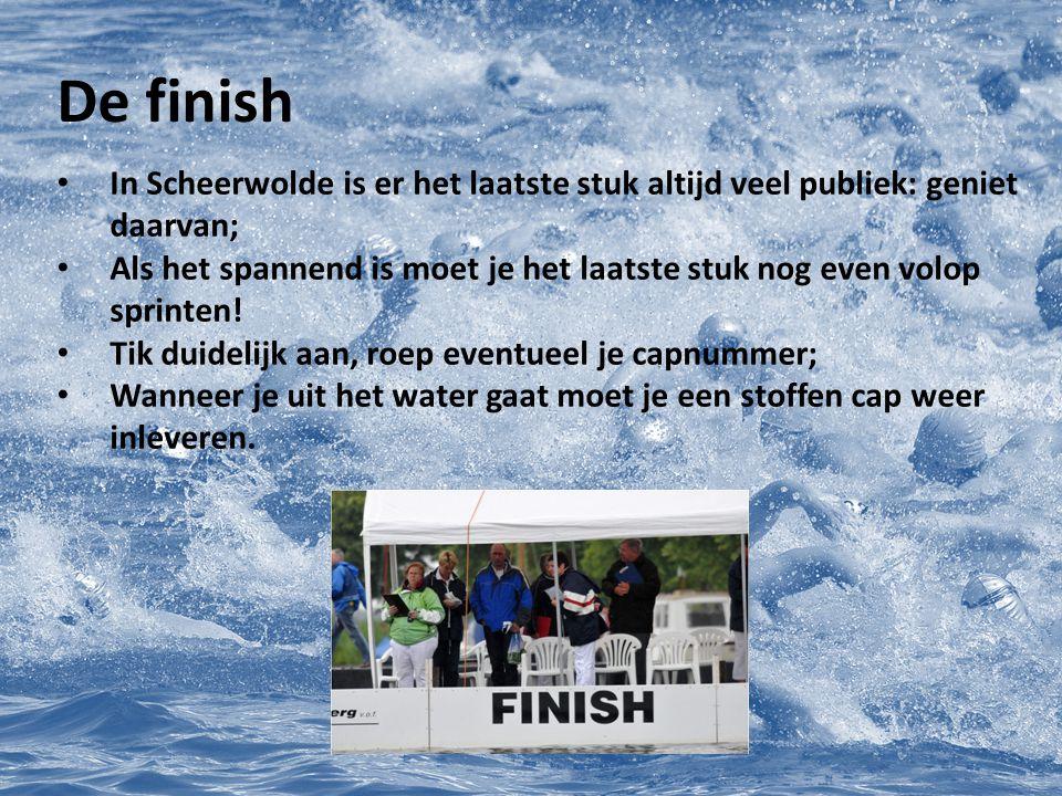 De finish In Scheerwolde is er het laatste stuk altijd veel publiek: geniet daarvan;