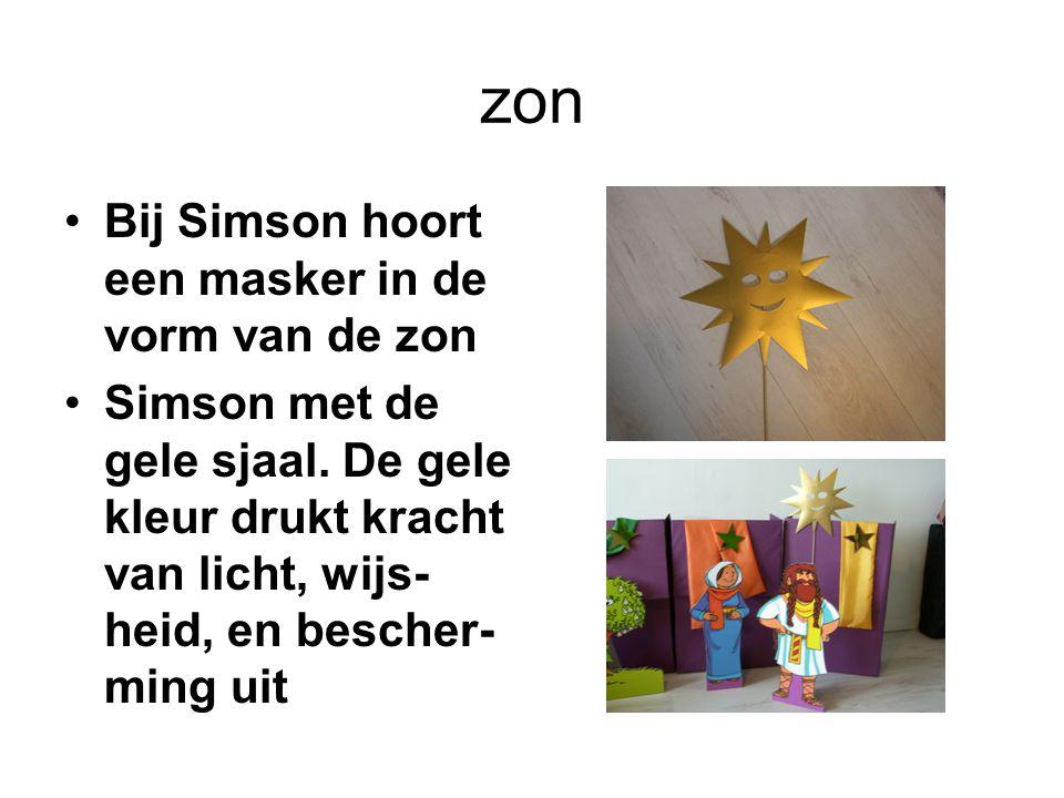 zon Bij Simson hoort een masker in de vorm van de zon