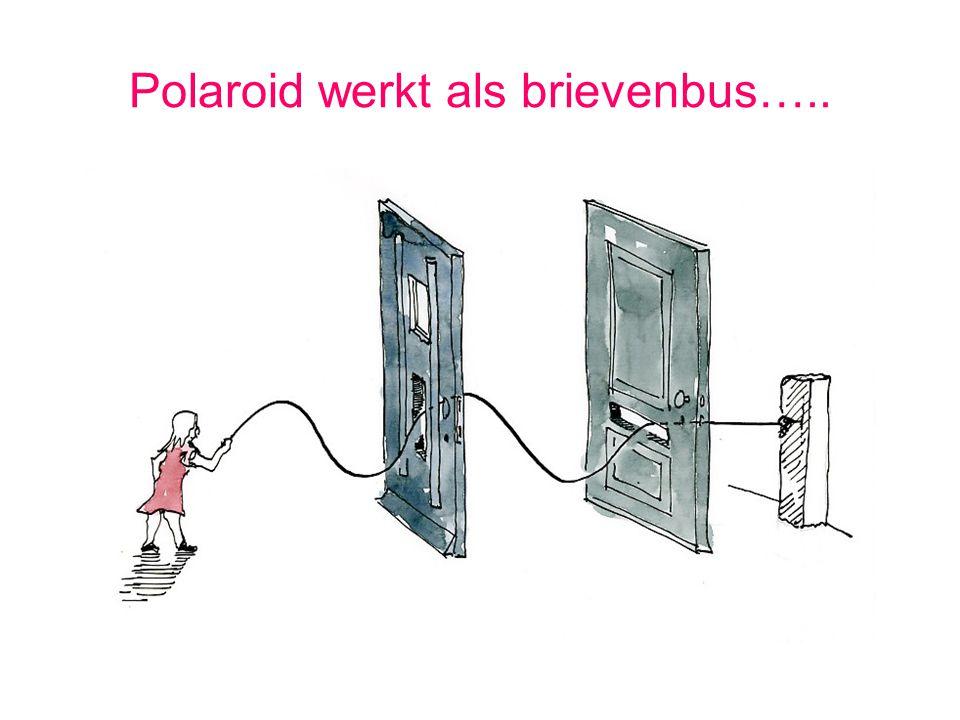 Polaroid werkt als brievenbus…..