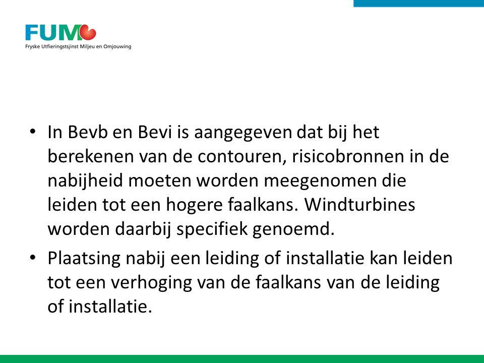 In Bevb en Bevi is aangegeven dat bij het berekenen van de contouren, risicobronnen in de nabijheid moeten worden meegenomen die leiden tot een hogere faalkans. Windturbines worden daarbij specifiek genoemd.
