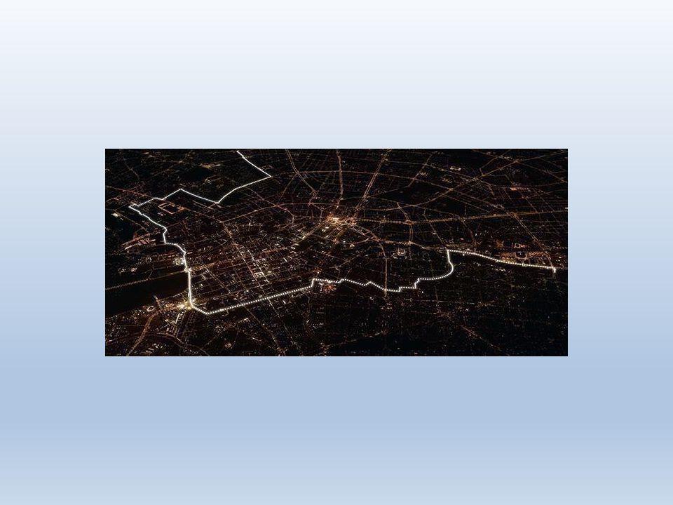 25 jaar na de val van de Berlijnse muur (2014) is de val van de Berlijnse muur herdacht met verlichte ballonnen.