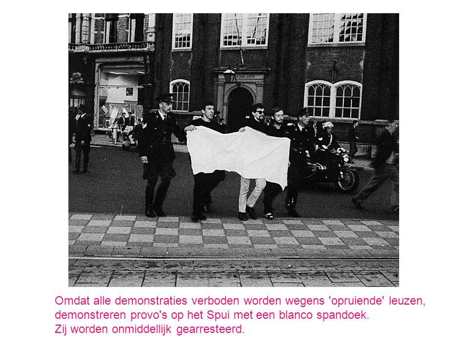 Omdat alle demonstraties verboden worden wegens opruiende leuzen,