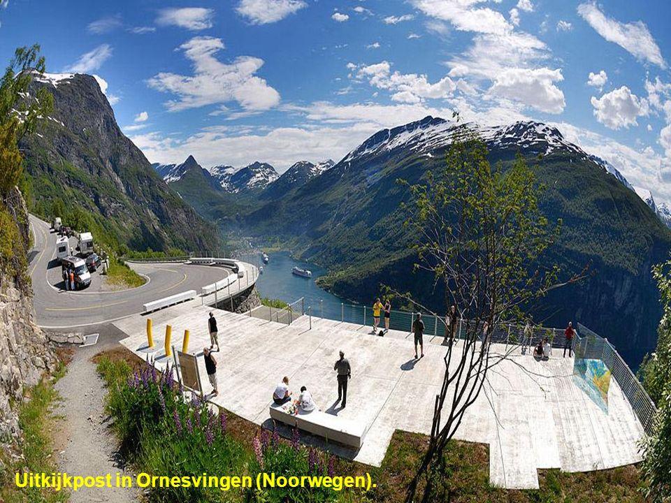 Uitkijkpost in Ornesvingen (Noorwegen).