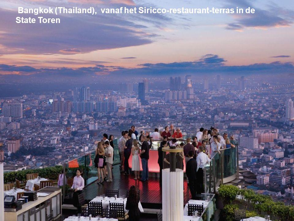 Bangkok (Thailand), vanaf het Siricco-restaurant-terras in de State Toren