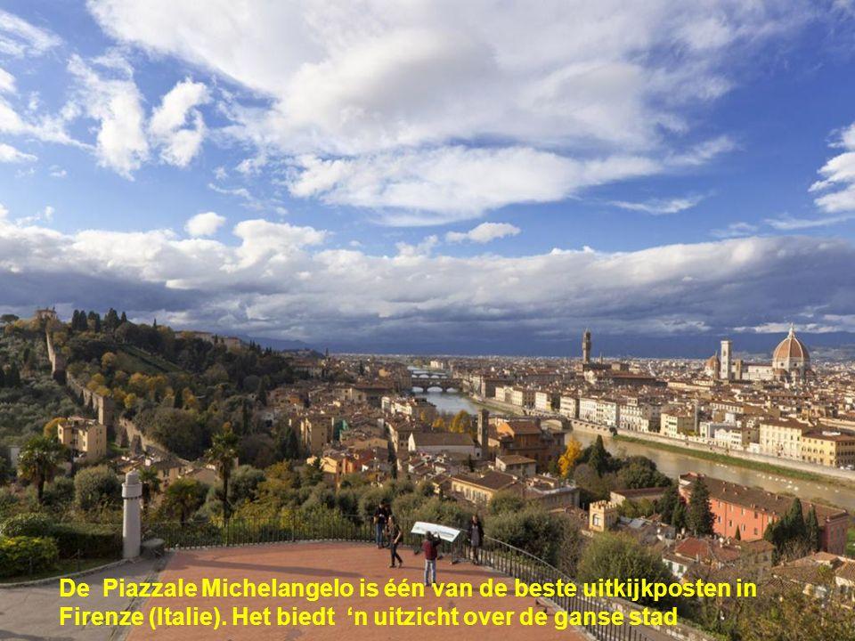 De Piazzale Michelangelo is één van de beste uitkijkposten in