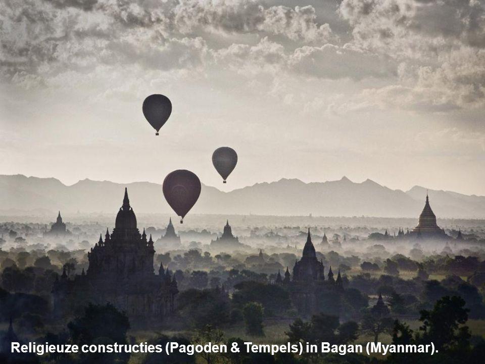 Religieuze constructies (Pagoden & Tempels) in Bagan (Myanmar).