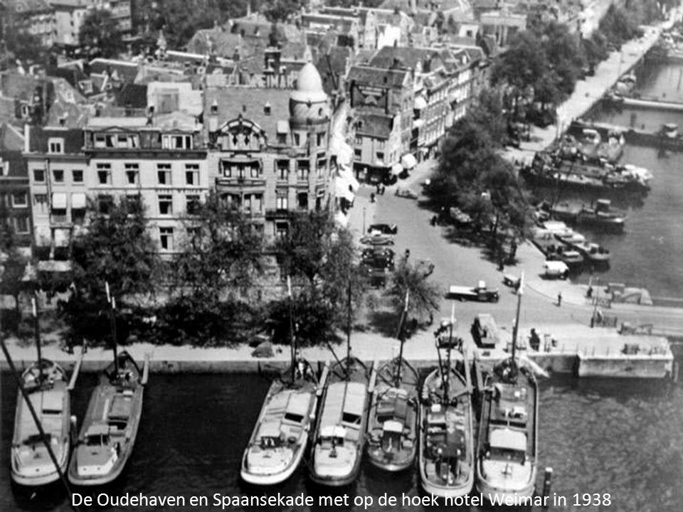 De Oudehaven en Spaansekade met op de hoek hotel Weimar in 1938