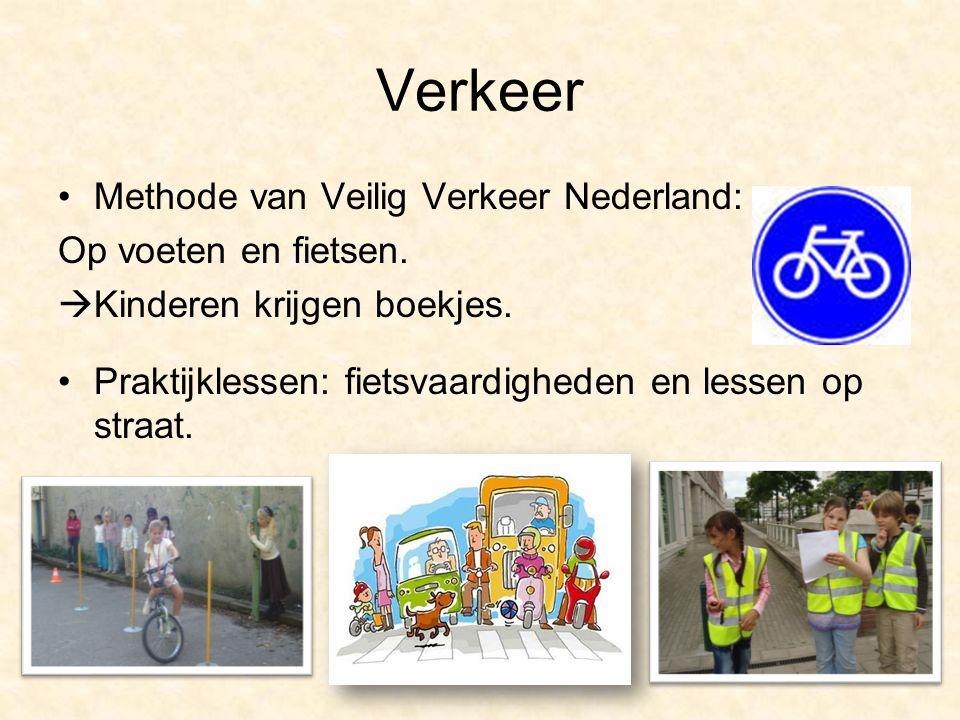 Verkeer Methode van Veilig Verkeer Nederland: Op voeten en fietsen.