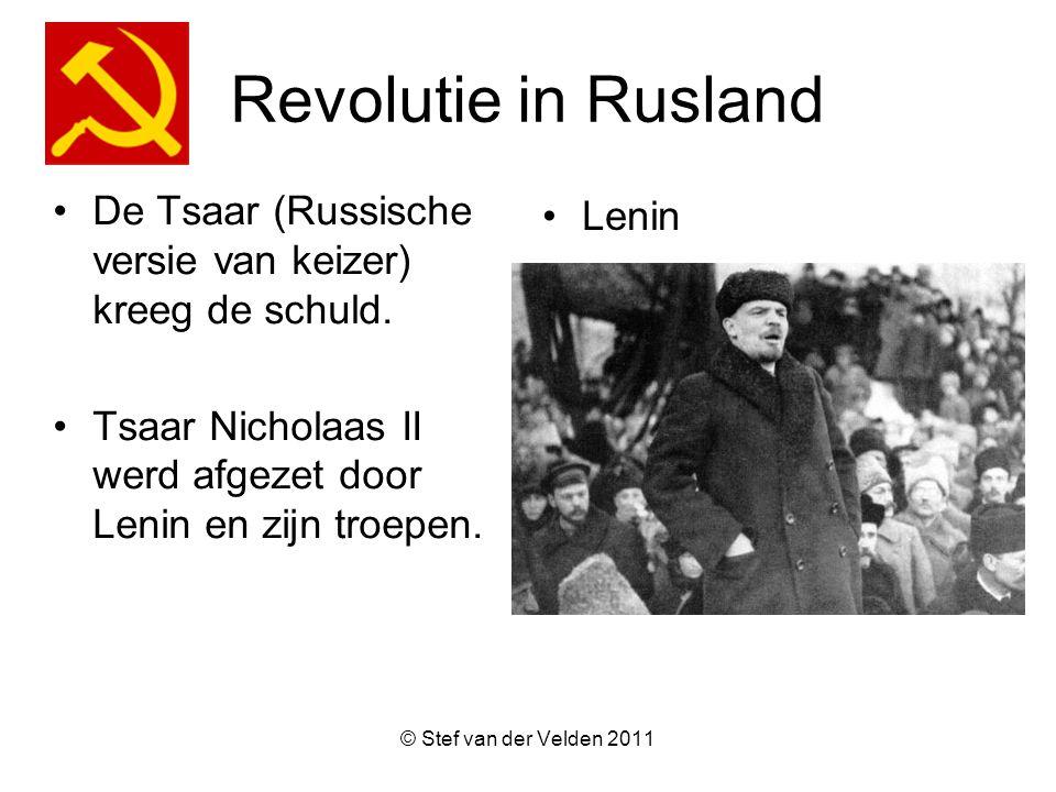Revolutie in Rusland De Tsaar (Russische versie van keizer) kreeg de schuld. Tsaar Nicholaas II werd afgezet door Lenin en zijn troepen.
