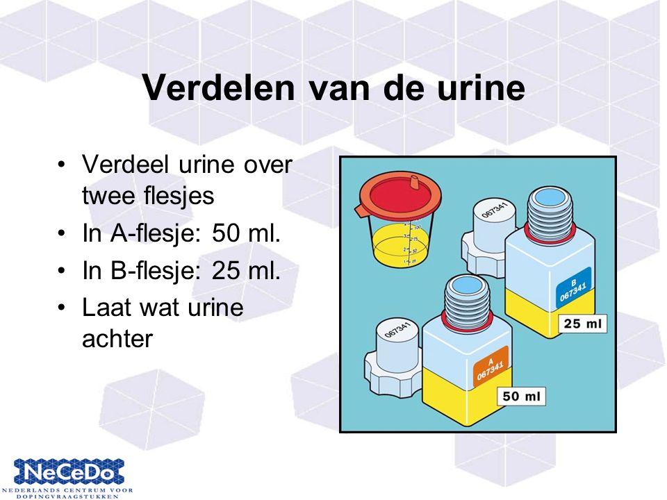 Verdelen van de urine Verdeel urine over twee flesjes