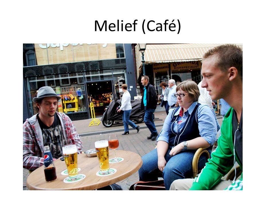 Melief (Café) Het o zo pitoreske Melief waar wij op het terras vertoeven met een delicaat apperitiefje.