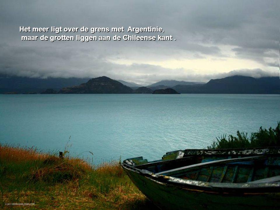 Het meer ligt over de grens met Argentinie,