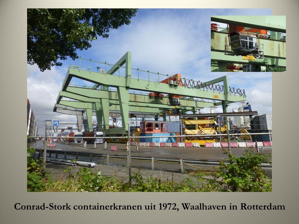Conrad-Stork containerkranen uit 1972, Waalhaven in Rotterdam
