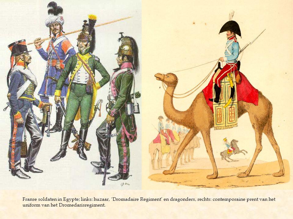 Franse soldaten in Egypte; links: huzaar, 'Dromadaire Regiment' en dragonders, rechts: contemporaine prent van het uniform van het Dromedarisregiment.