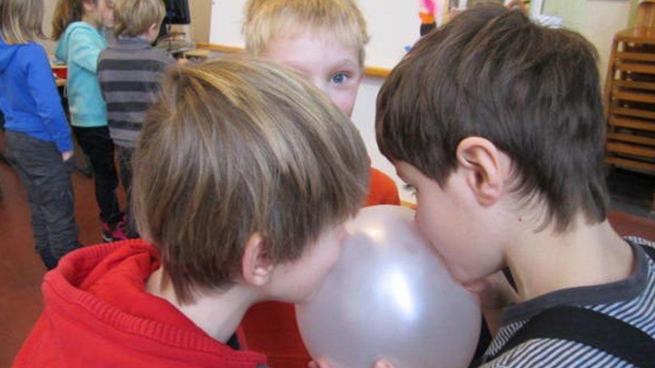Geluid kun je voelen door tegen een ballon te praten