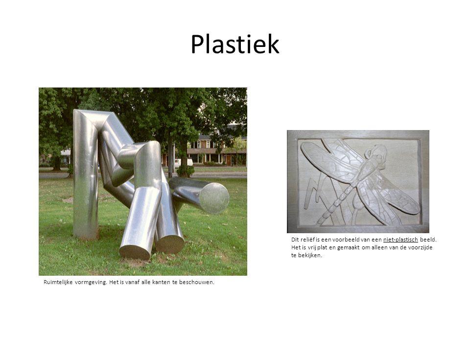 Plastiek Dit reliëf is een voorbeeld van een niet-plastisch beeld.