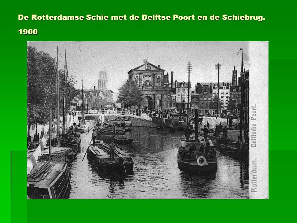 De Rotterdamse Schie met de Delftse Poort en de Schiebrug. 1900