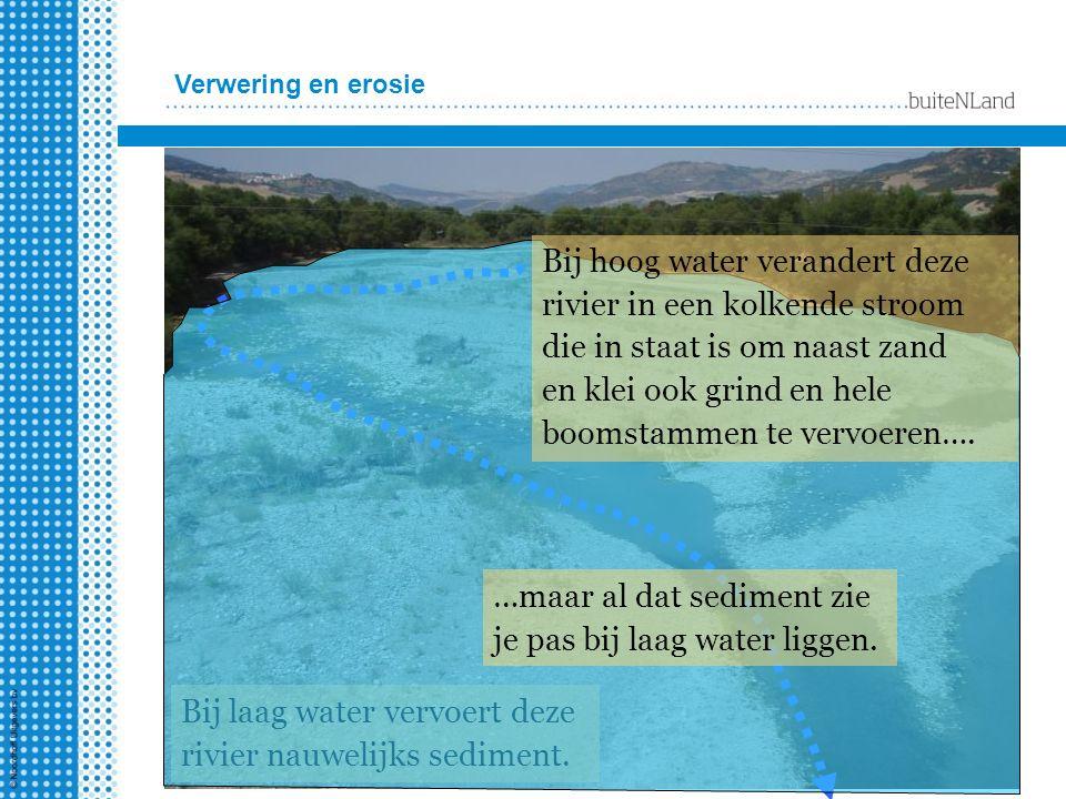 Bij hoog water verandert deze rivier in een kolkende stroom