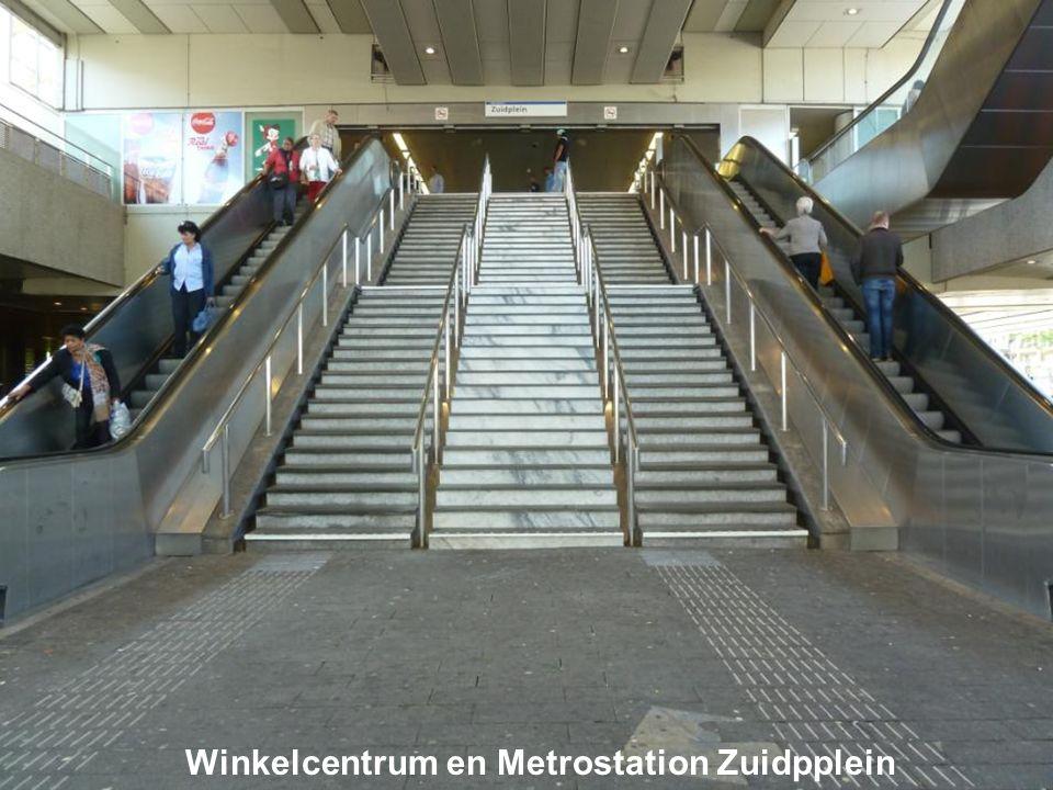 Winkelcentrum en Metrostation Zuidpplein