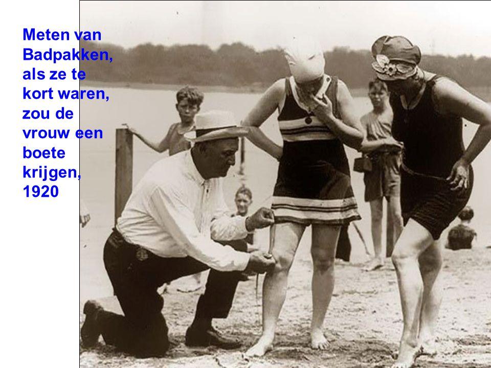 Meten van Badpakken, als ze te kort waren, zou de vrouw een boete krijgen, 1920